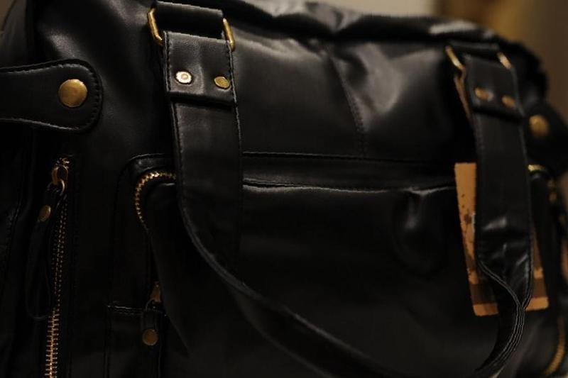 Мужские сумки через плечо ARMANI купить недорого