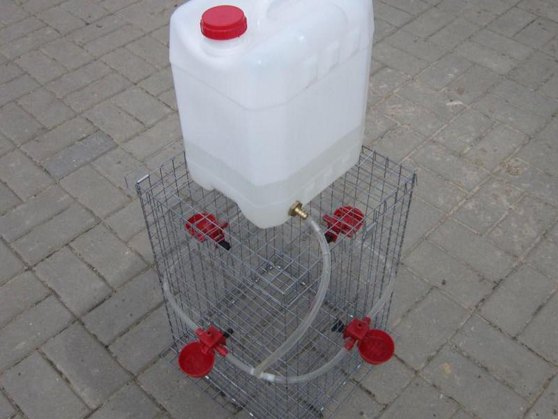 Автоматическая поилка для куриц своими руками 356