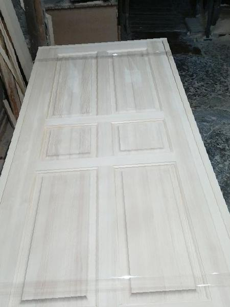 Деревянные брашированные двери из массива в каталоге