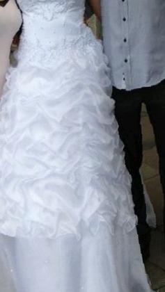 3079e7eeda3be8a Фото: Купить свадебное платье, бу в Минусинске, цена 5000 рублей —  объявление