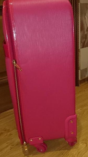 Фото  Купить женский чемодан в Казани, цена 9500 рублей — объявление 7ae120232a9