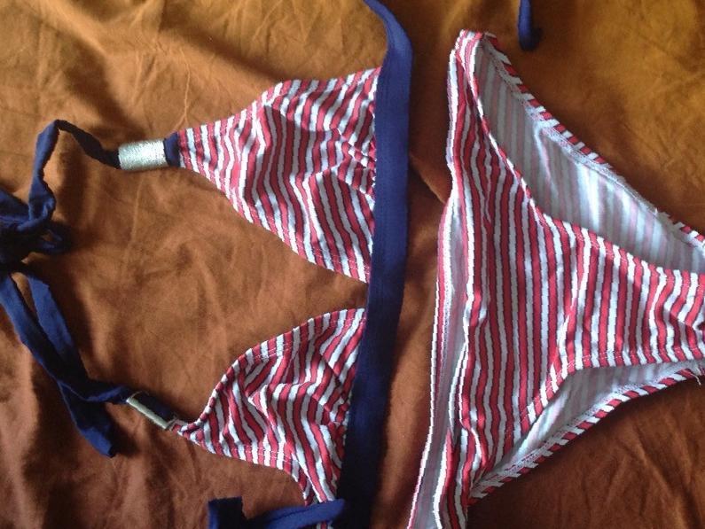 4e4a9707c2163 Фото: Купить купальники 40-42 в Ангарске, цена 700 рублей — объявление