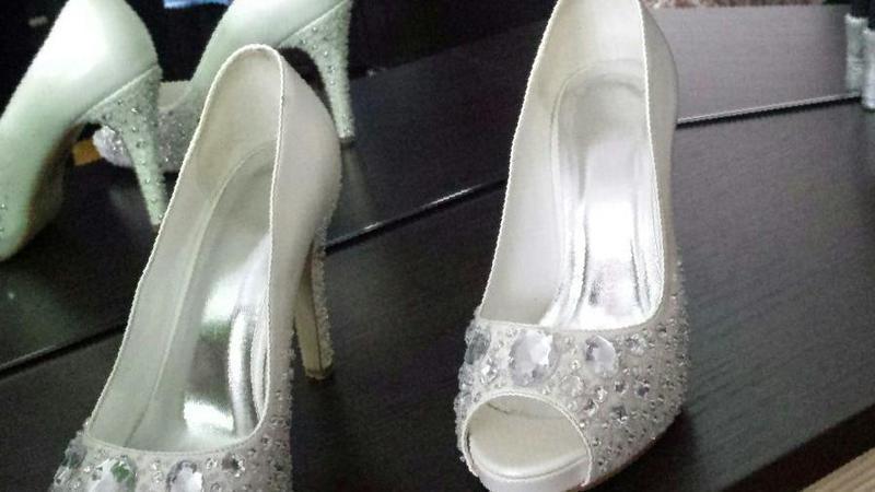 ceae8a10b Фото: Купить свадебные туфли в Симферополе, цена 2000 рублей — объявление